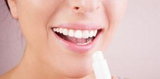 11 неожиданных способов использования гигиенической помады