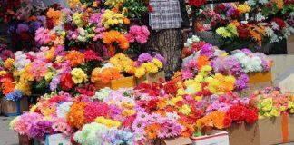 Дешевые цветы на кладбище