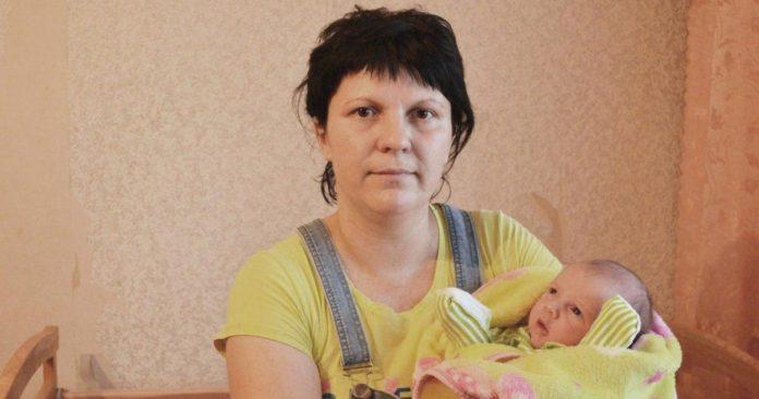 женщина родила девочку